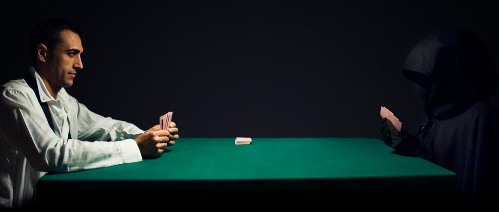 Hands Up! How a poker-cheating virus reveals your poker hand